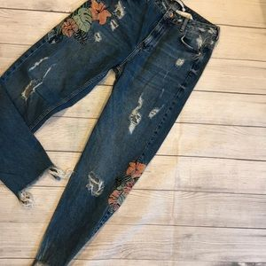 ZARA trafaluc floral print embroidered jeans sz 4